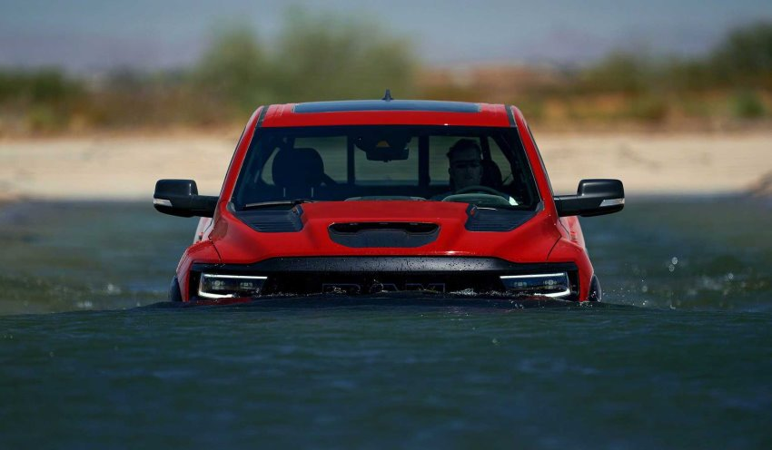 رم 1500 TRX در آب
