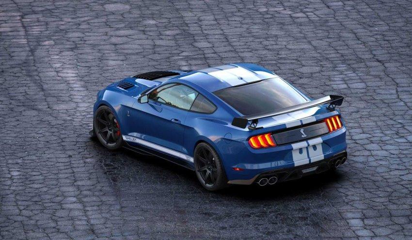 نمای عقب فورد موستانگ GT500SE
