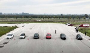 درگ ریس شش خودروی الکتریکی
