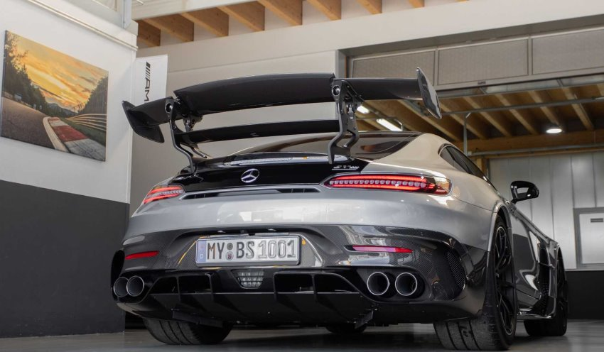 نمای عقب مرسدس AMG GT بلک سریز Opus