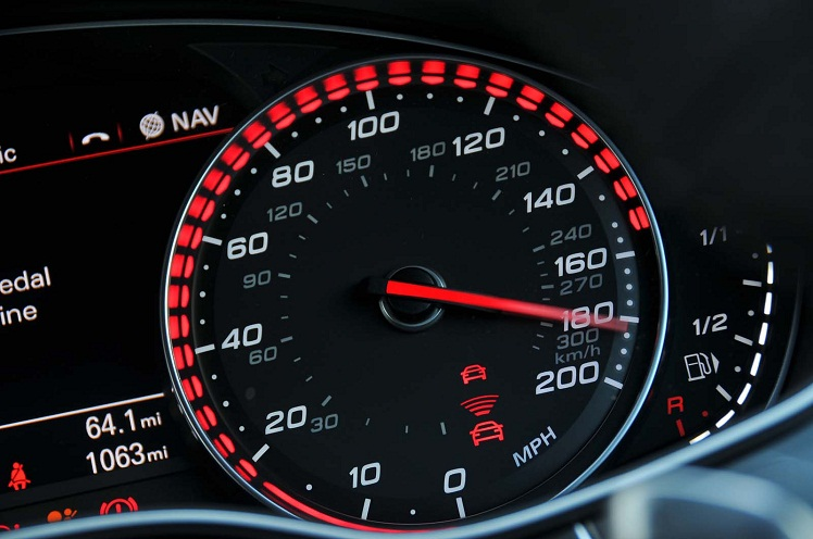 کنترل سرعت خودرو
