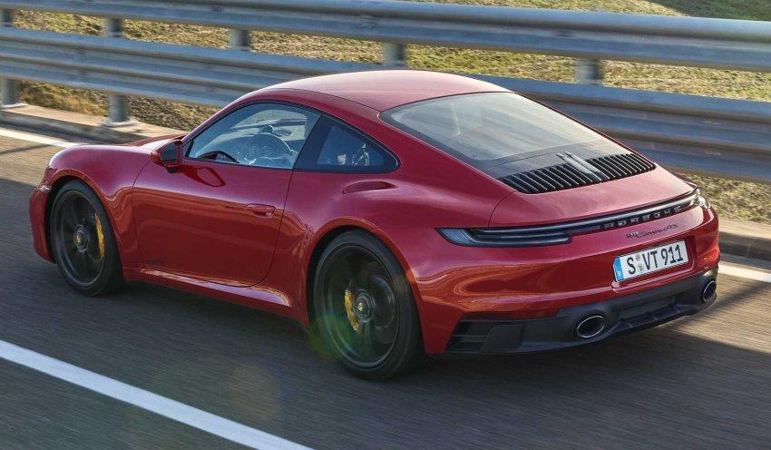 نمای عقب پورشه 911 GTS