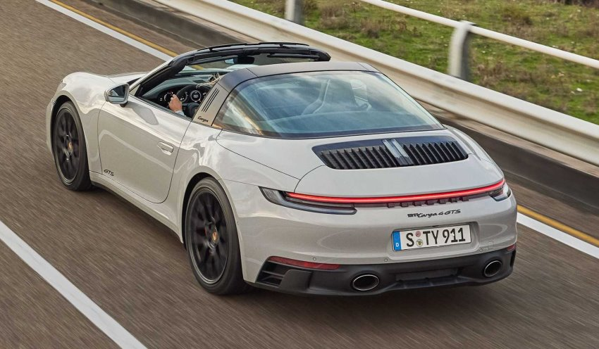 نمای عقب پورشه 911 GTS تارگا