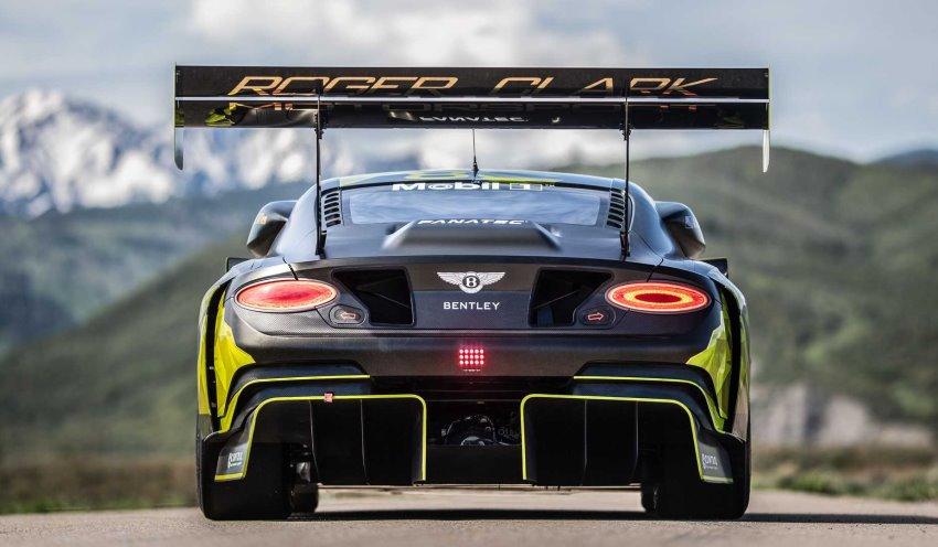 نمای عقب بنتلی کانتیننتال GT3 Pikes peak