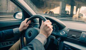 علت کشیده شدن فرمان خودرو به یک سمت